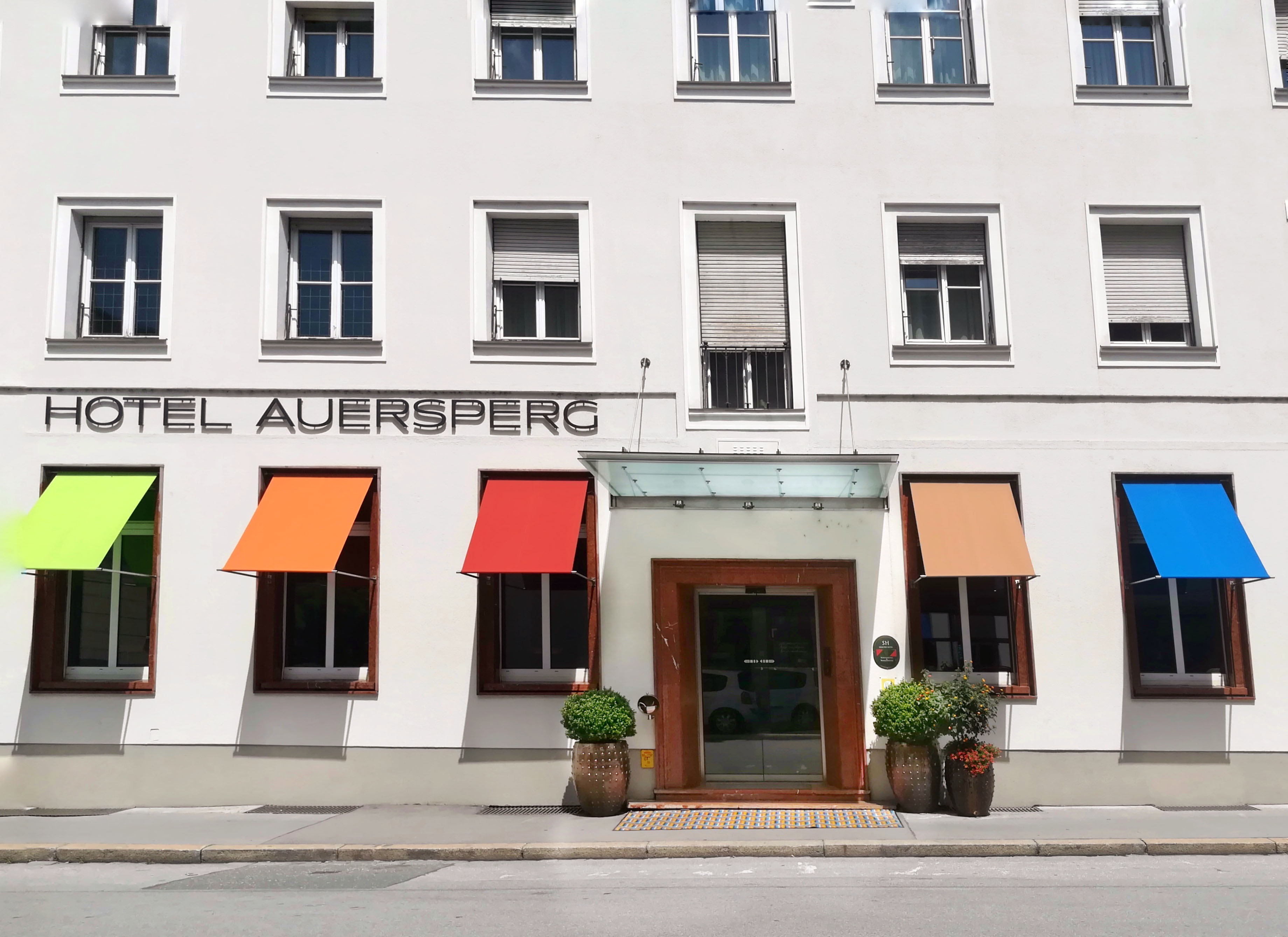 HotelVillaAuersperg-Aussenansicht_Sommer